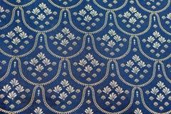 Propagação de prata azul da cama do vintage imagens de stock royalty free