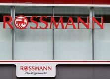 Propaganda de Rossmann em uma parede foto de stock royalty free