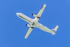 Propeller gefahrenes Flugzeug für Regionalverkehr - automatische Rückstellung 72-500 Stockbild