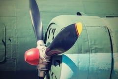 Propeller van vliegtuigclose-up in retro tonen stock afbeeldingen