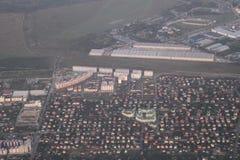Propiedades inmobiliarias de una vista panorámica Desarrollo privado de edificios de varios pisos, Kiev, Ucrania, 09 de las cabañ Fotografía de archivo libre de regalías