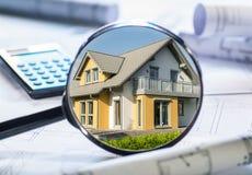Propiedades inmobiliarias en foco imagenes de archivo