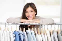 Propietario de negocio - almacén de la ropa. Fotografía de archivo
