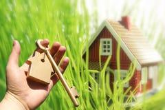 Propietario de nueva casa. Fotografía de archivo libre de regalías