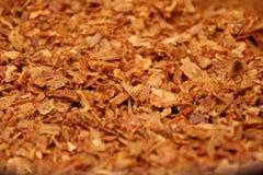 Propolis da abelha nas partículas O detalhe macro de partes de produto natural fresco do apiário chamou a colagem da abelha Foto de Stock Royalty Free