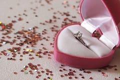 Propozycja pierścionek w pudełku Fotografia Stock