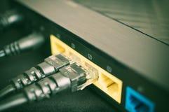 Proppar för internetnätverksanslutning Arkivfoto