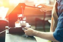 Propriétaire en cuir d'atelier Images stock