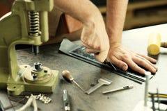 Propriétaire en cuir d'atelier Photographie stock