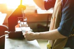 Propriétaire en cuir d'atelier Image stock