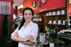 Propriétaire fier d'un système de pâtisserie de café photo libre de droits