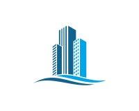 A propriedade de Real Estate e o logotipo da construção projetam para o sinal incorporado do negócio Foto de Stock