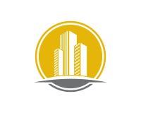 A propriedade de Real Estate e o logotipo da construção projetam para o sinal incorporado do negócio Fotos de Stock Royalty Free