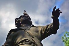 Proprietà terriera di Izmailovo a Mosca Monumento all'imperatore russo Peter First immagini stock