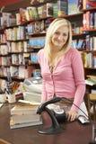 Proprietário fêmea da livraria Imagem de Stock Royalty Free