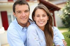 Proprietari domestici felici Fotografia Stock Libera da Diritti
