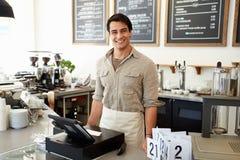Proprietario maschio della caffetteria Fotografia Stock Libera da Diritti