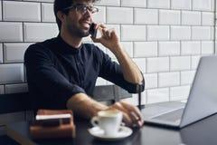 Proprietario maturo di un affare in una camicia nera Immagine Stock Libera da Diritti