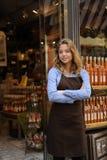 Proprietário de loja na frente da loja Imagens de Stock Royalty Free
