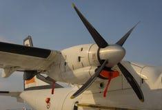 Propulseur et moteur d'un avion militaire Image stock
