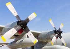 Propulseur jumeau de l'avion Image libre de droits