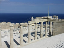 Propylaea的楼梯在Lindos,希腊 图库摄影
