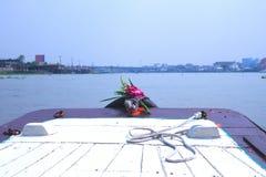 Prora sul fiume Fotografie Stock
