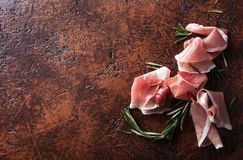 Prosciutto με το δεντρολίβανο Στοκ φωτογραφία με δικαίωμα ελεύθερης χρήσης