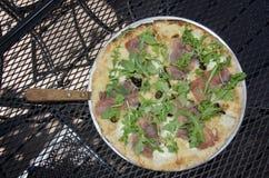 Prosciutto, arugula en fig.pizza Royalty-vrije Stock Fotografie