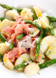 Prosciutto with asparagus and potatoes Royalty Free Stock Photography