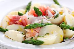 Prosciutto with asparagus and potatoes Stock Photography
