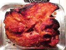 Prosciutto di Natale dell'arrosto con la glassa della marmellata d'arance immagine stock