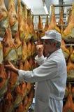 Prosciutto di San Daniele - produção do fiambre foto de stock