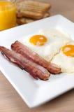 Prosciutto ed uova fotografie stock