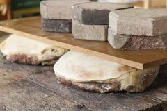Prosciutto frais préparant pour sécher image stock