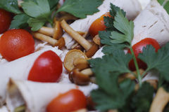 Prosciutto, funghi e pomodori Immagine Stock Libera da Diritti