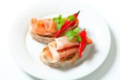Prosciutto open onder ogen gezien sandwiches Stock Foto