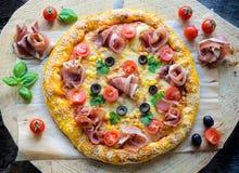 Prosciutto pizza zdjęcia stock