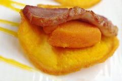 Prosciutto sulla patata dolce Fotografia Stock Libera da Diritti