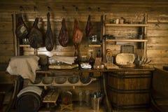 Prosciutto y pancetta hechos en casa en el ático Imagen de archivo