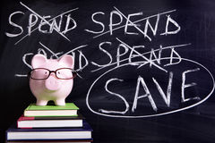Prosiątko bank z savings wiadomością Obrazy Stock