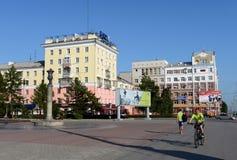 Prospekt Lenina i staden av Barnaul Arkivfoton