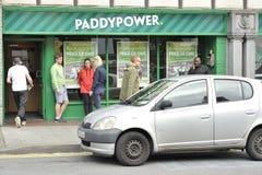 Prospektera kullen, Galway, Irland Juni 2017, Paddy Power som slå vad ho Arkivfoto