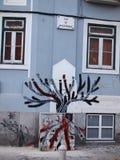 Prosperuje miastowa graffiti i ulicy sztuki scena w Lisbon, Portugalia, 2014 Obraz Stock