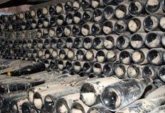 Prospettiva delle bottiglie di vino Fotografie Stock