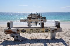 Prospettiva frontale abbandonata del molo: Baia di Jurien, Australia occidentale fotografie stock