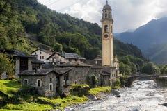 Prosto Valchiavenna, Италия: старая деревня Стоковые Изображения