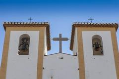 Prosty kościelny góruje Fotografia Royalty Free