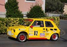 Protótipo de Fiat 126 durante uma raça da velocidade Imagens de Stock