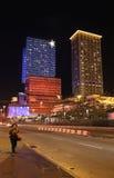Protagonice el casino y el hotel por noche, Macao del mundo Fotos de archivo libres de regalías
